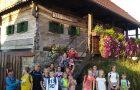 Mladi planinci na 1. pohodu v novem šolskem letu